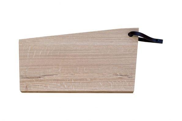 Schneidebrett aus Holz. KAT wahlweise mit Saftrille.