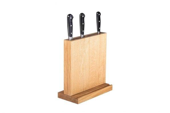 Messerblock Swatkiel natur geölt mit Tabletnut und Messern in schräger Seitenansicht