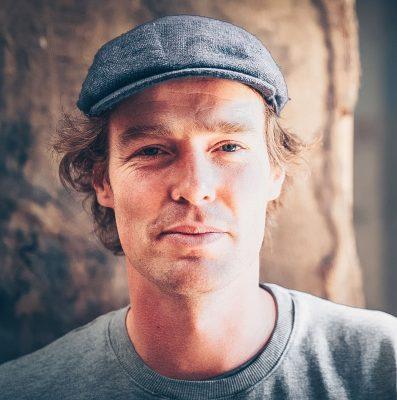Portrait_Lars_b