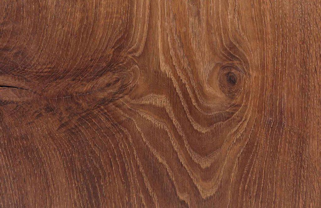 Eichenholz nach dem Räuchern und Wachsen